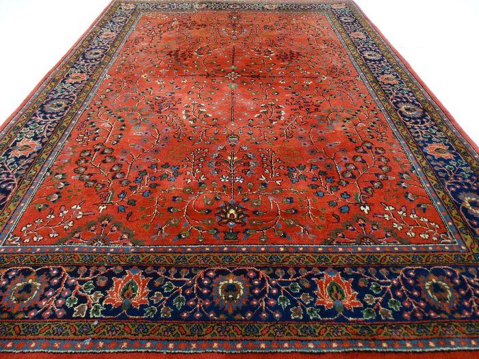 La historia de las alfombras orientales catawiki for Alfombras persas historia