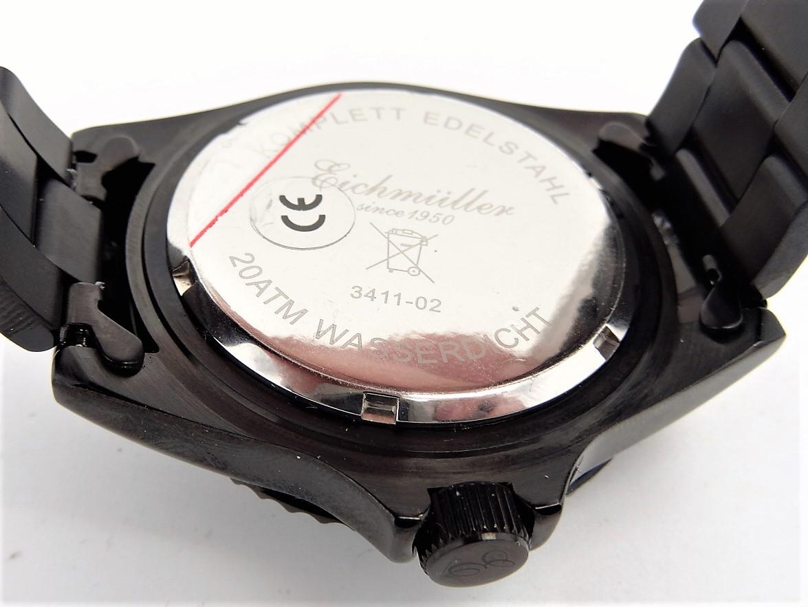 4b23b61d73e9 Qué significa realmente que un reloj sea  resistente al agua ...