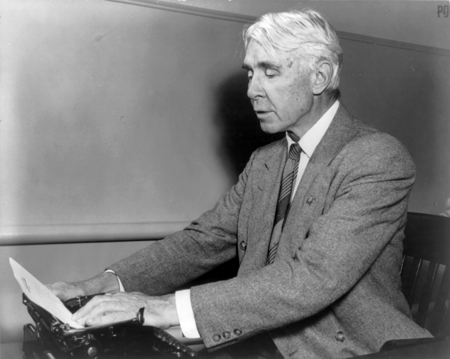 carl sandburg and how he was influenced Carl sandburg admits that tor his part tha reoitation from the love chapter or first corinthians was tor the sound of the words and not so much for the spiritual uplirt.