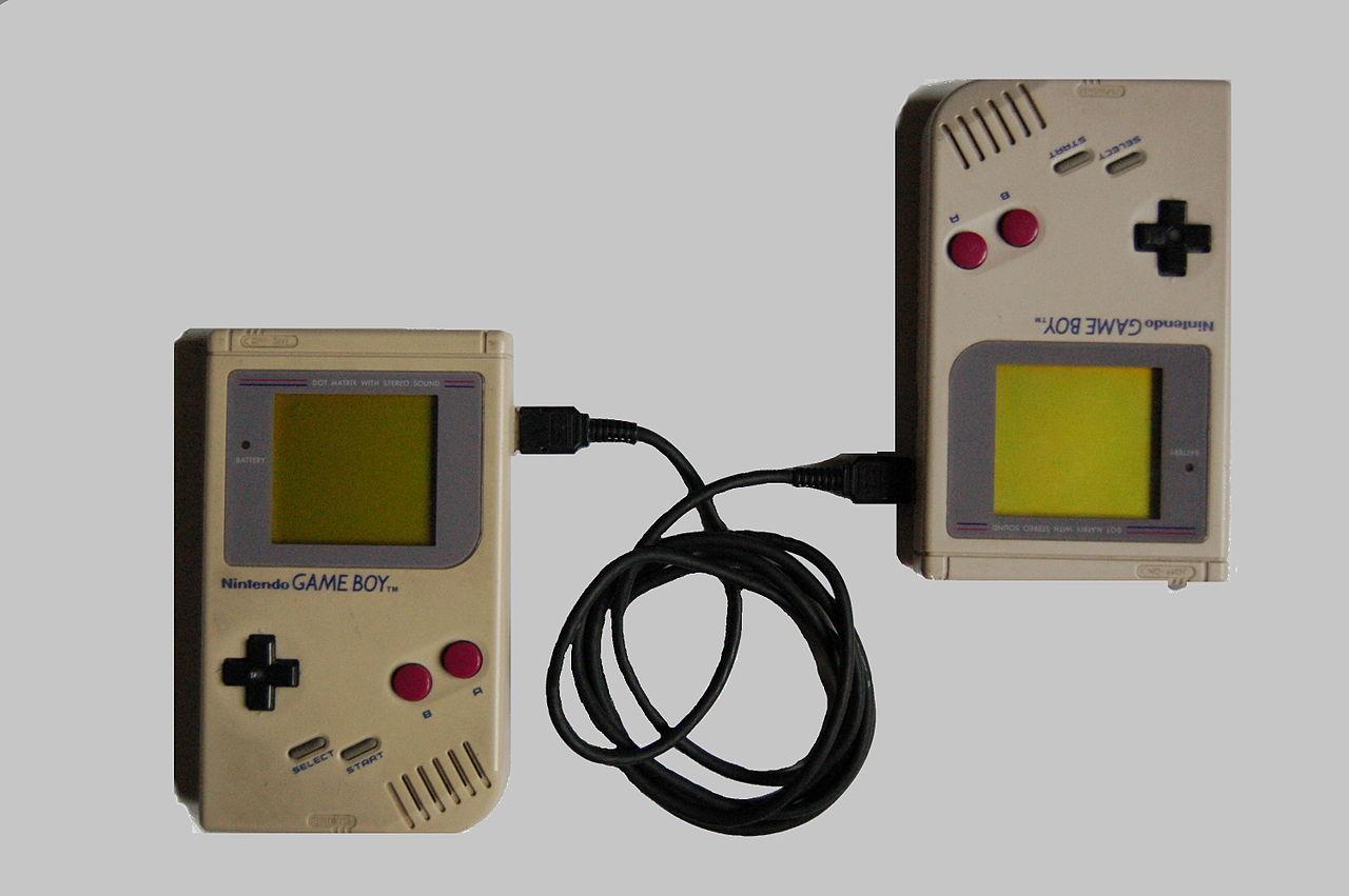 Game boy color kabel - Nu We Er Allemaal Aan Gewend Zijn Om Naar Grote Flatscreens Te Kijken Is Het Moeilijk Om Je Nog Voor Te Stellen Hoe Klein De Schermen Van De Game Boy