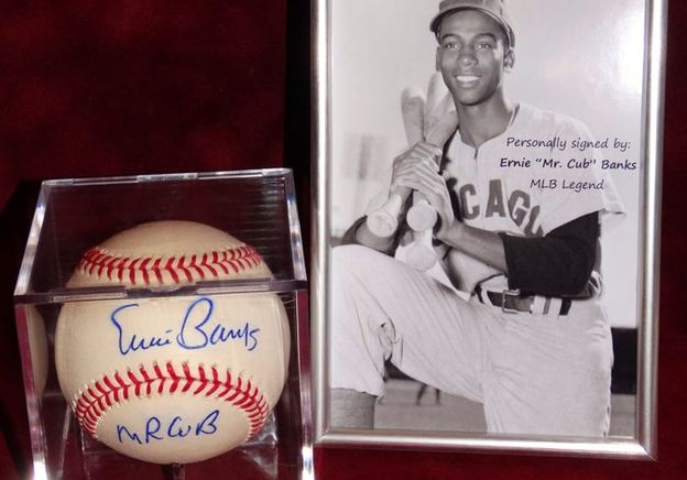 How an Autograph can Affect the Value of Your Sports Memorabilia