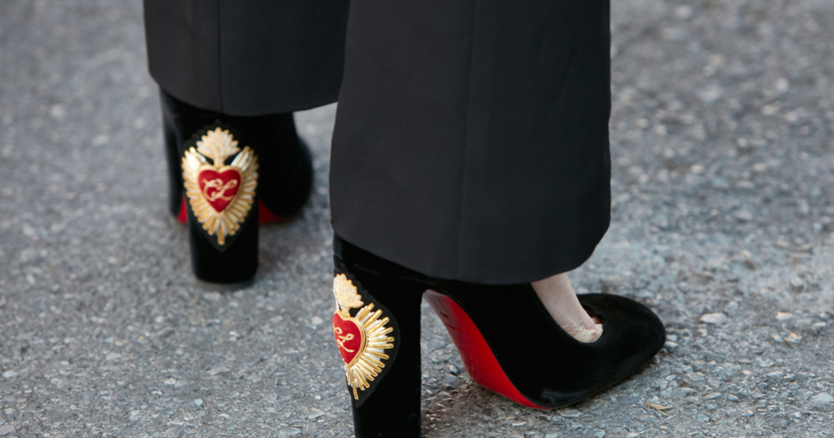a4f212e49579 The Secret Behind the Red Soles of Christian Louboutin - Catawiki