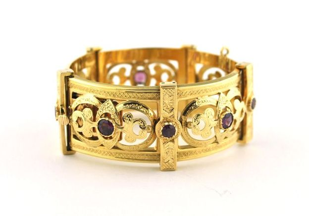 From Crisis to Celebration: The Transformation of the Portuguese Jewellery Market