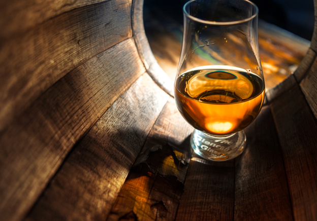 Understanding the Whisky Auction World - Our Experts Advise