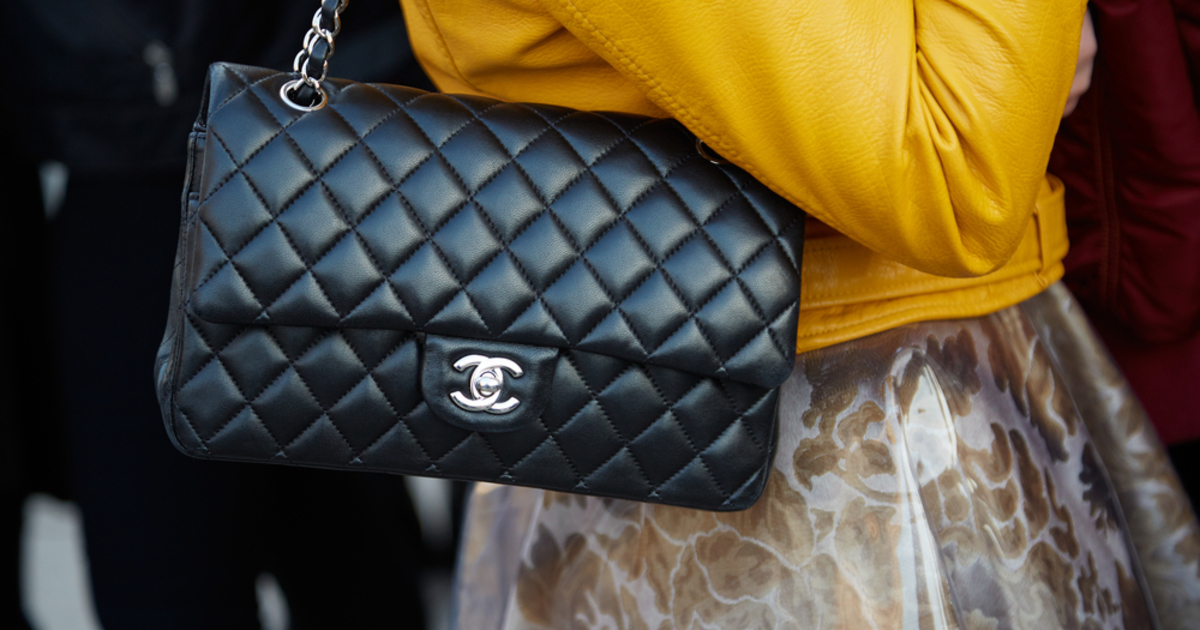 comment d terminer la valeur de votre sac main de haute couture catawiki. Black Bedroom Furniture Sets. Home Design Ideas