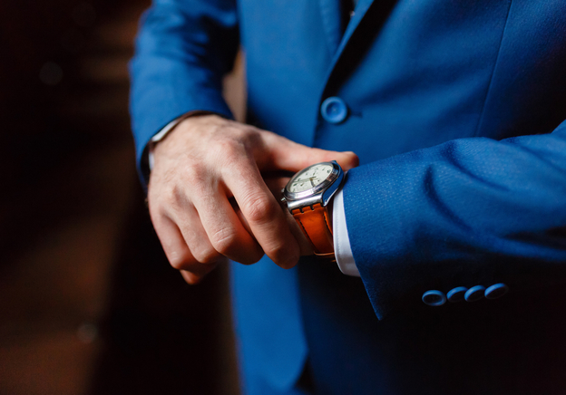 Insider's Guide to Watch Etiquette: How to Wear a Watch the Alternative Way