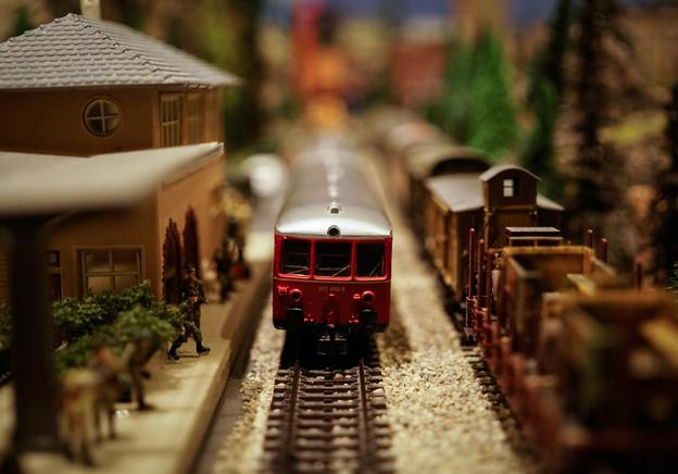 A quick introduction to building model train scenery