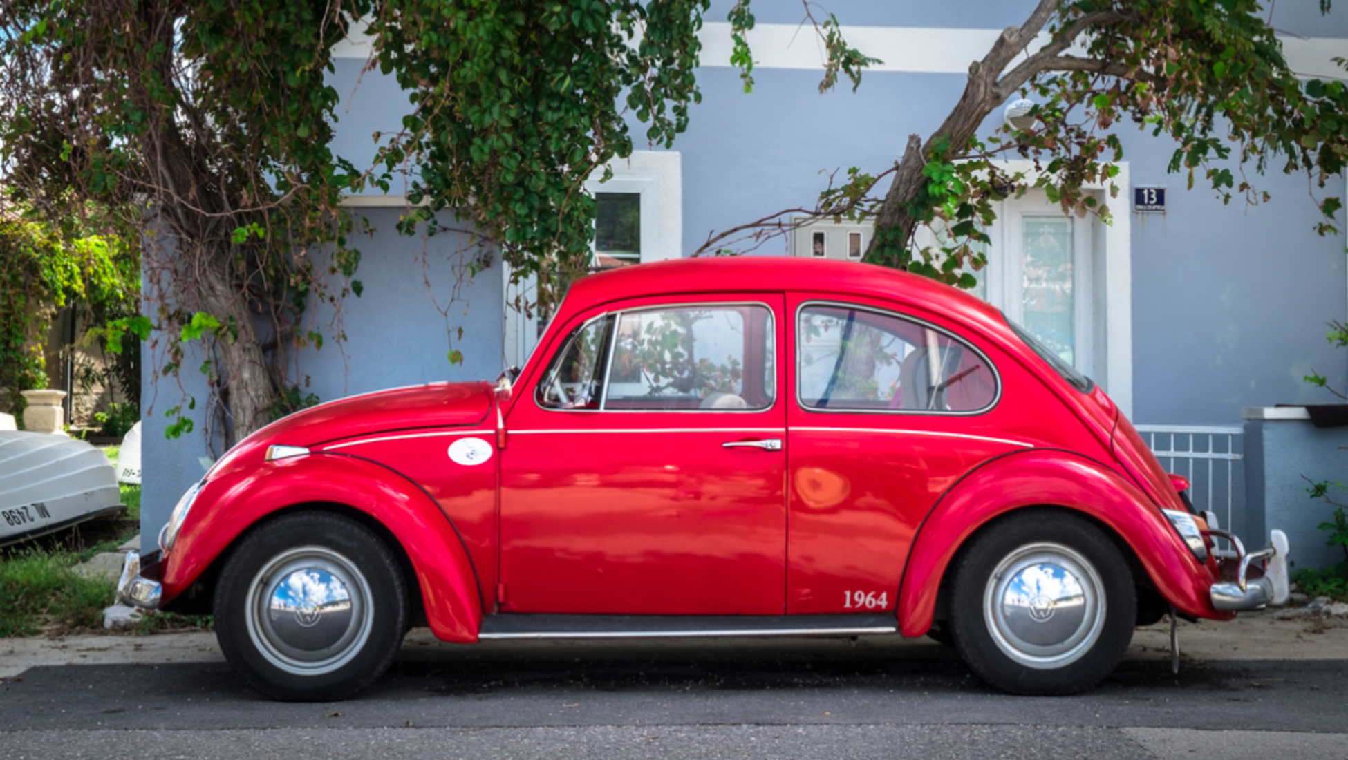 No Other Car Has Been Produced In Such Large Quantities With So Few Design Changes The Original Beetle Was A Hit And Its Wonder It Cult Following