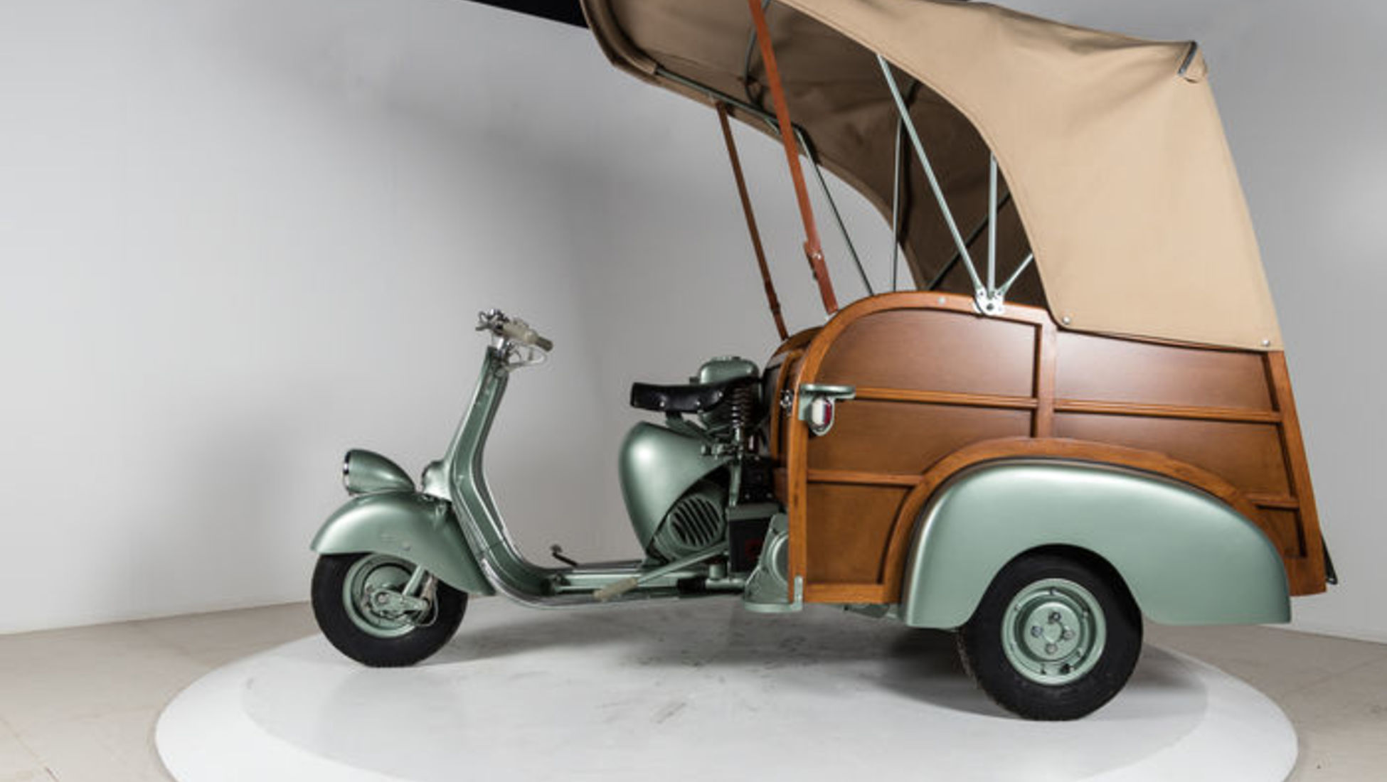 top 10 most creative scooters ever made catawiki. Black Bedroom Furniture Sets. Home Design Ideas