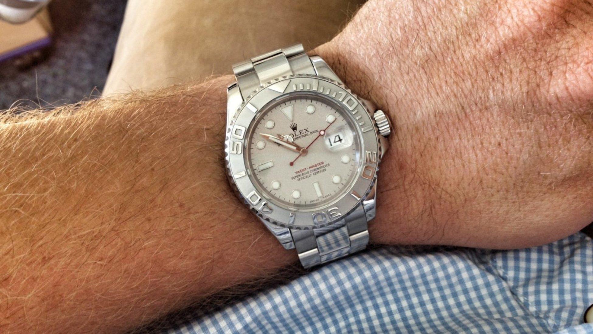 db6e4381637 Para o derradeiro casal do poder o que poderia ser melhor do que o derradeiro  símbolo de estatuto social  O Rolex Day-Date