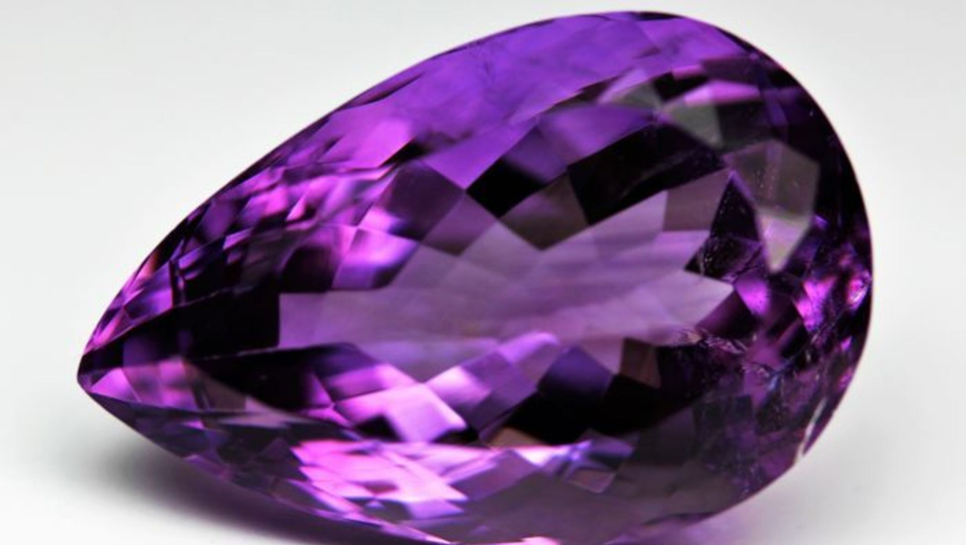 video violet pink motion stone background wedding gem videoblocks diamond ruby spinning gemstone loop