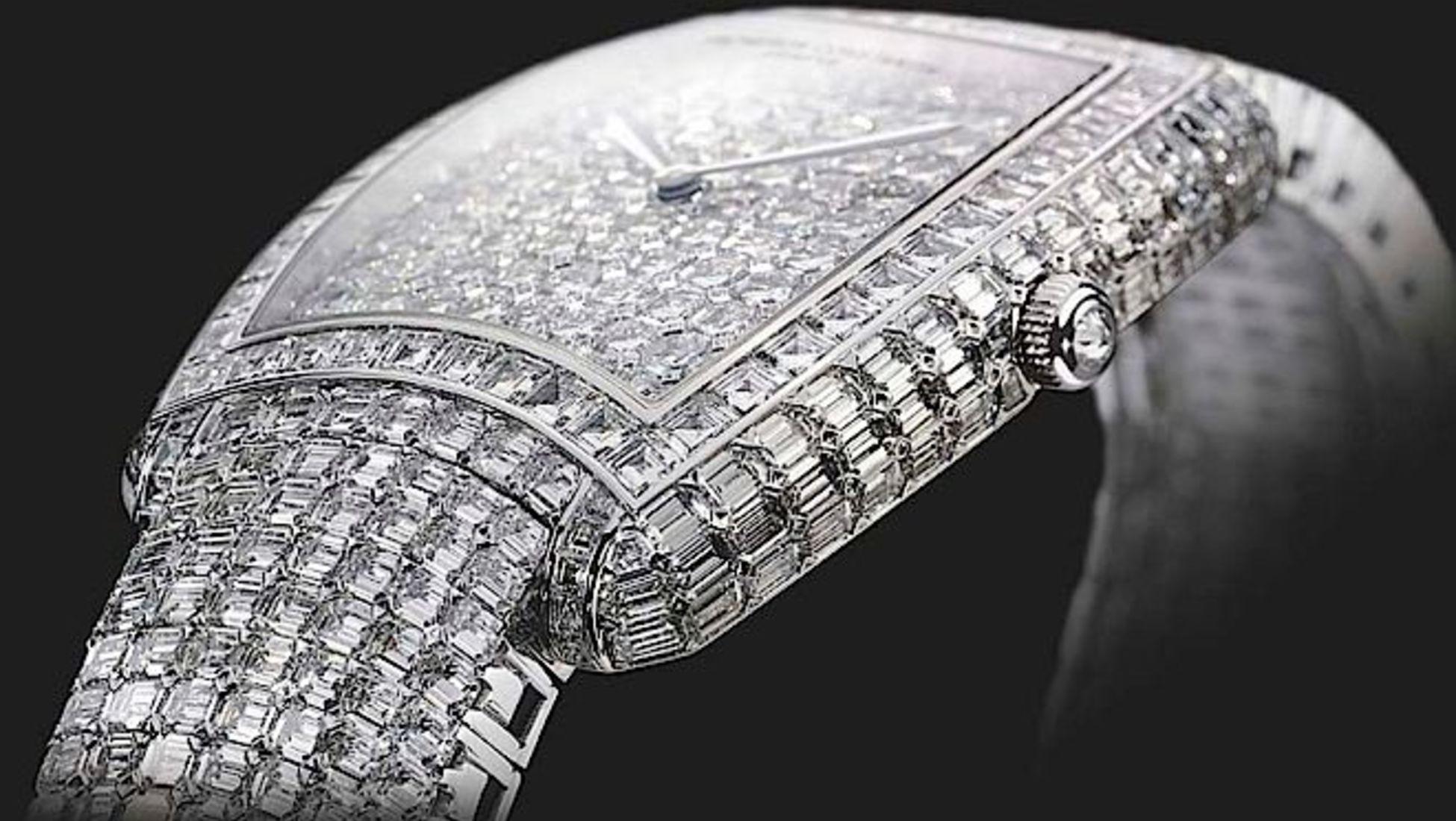 2424bbe978c Foi criado para o 260.º aniversário da Vacheron Constantin e tem um valor  de 8 milhões de euros. Isto faz com que seja um dos relógios mais caros de  2017.
