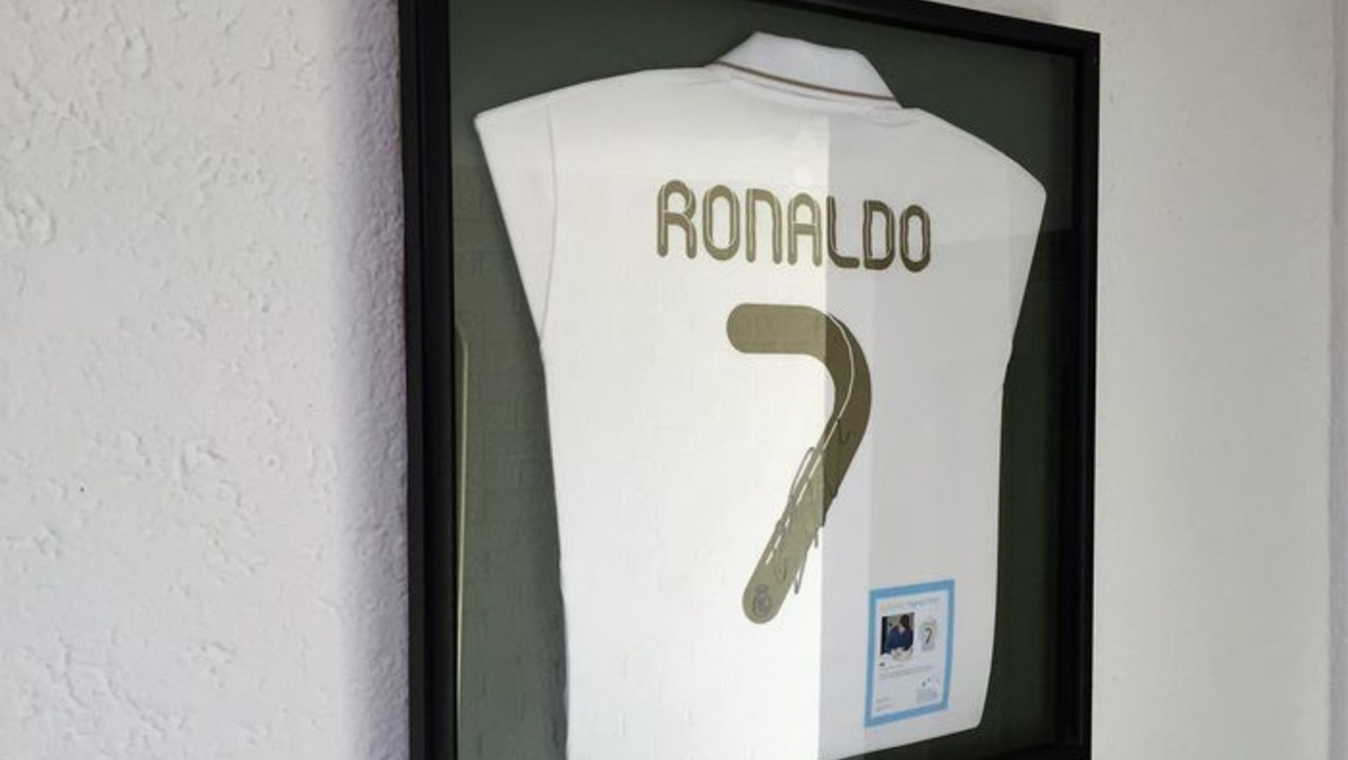new style bd65d 5ccc4 How to Determine the Value of Your Signed Football Shirt ...