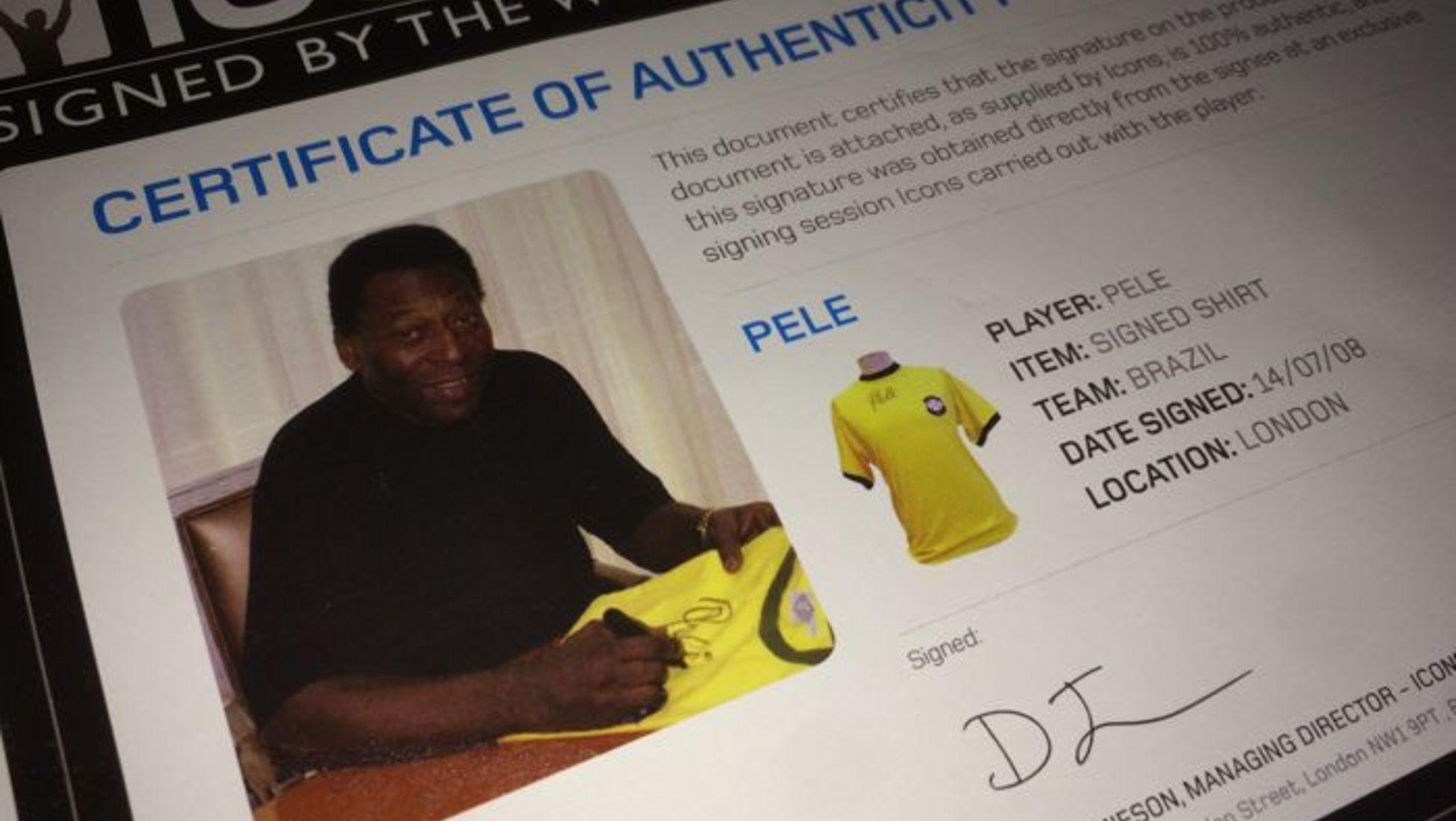new style ad947 00ea9 How to Determine the Value of Your Signed Football Shirt ...