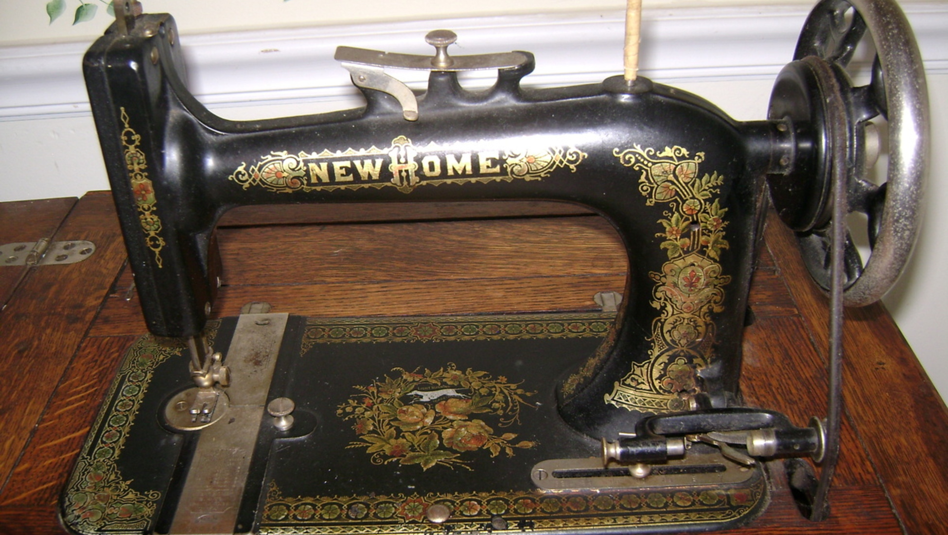 They ceased production in 1955 but made a wide variety of sewing machine  types including hand cranked machines, the Parlor Cabinet Treadle and  'Number Four' ...