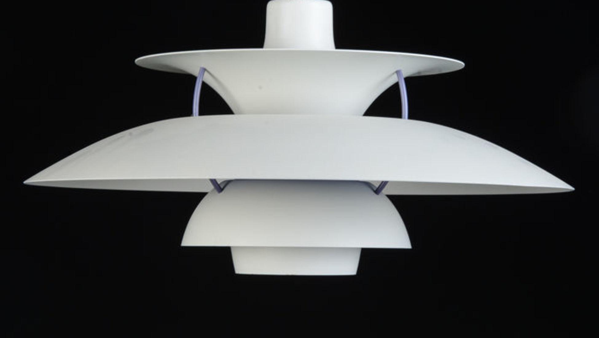 5 motivi per investire in mobili dal design moderno catawiki. Black Bedroom Furniture Sets. Home Design Ideas
