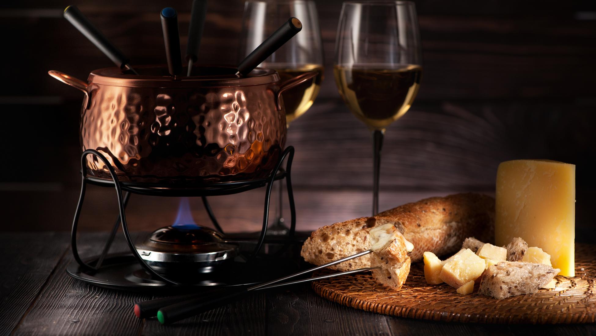 Lichte Rode Wijn : Wijn en fondue de perfecte combinatie catawiki