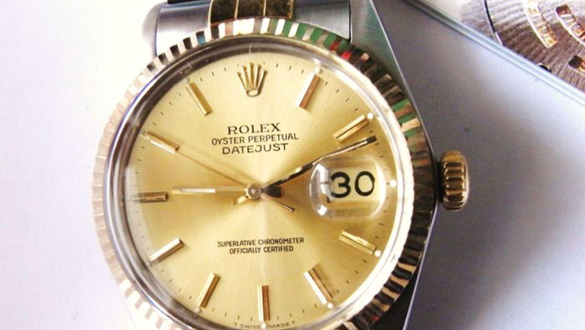 49318575390 Tal como acontece com muitos produtos de luxo muito procurados